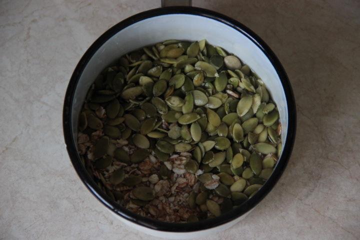 пшеничный мультизерновой хлеб на закваске
