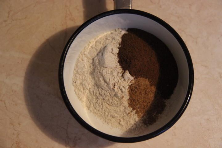 заварка для бородинского хлеба в духовке, этап 1