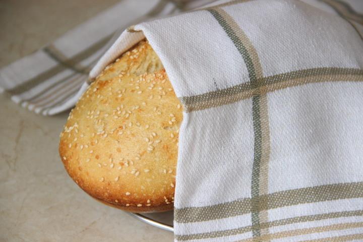 хлеб с семолиной и кунжутом