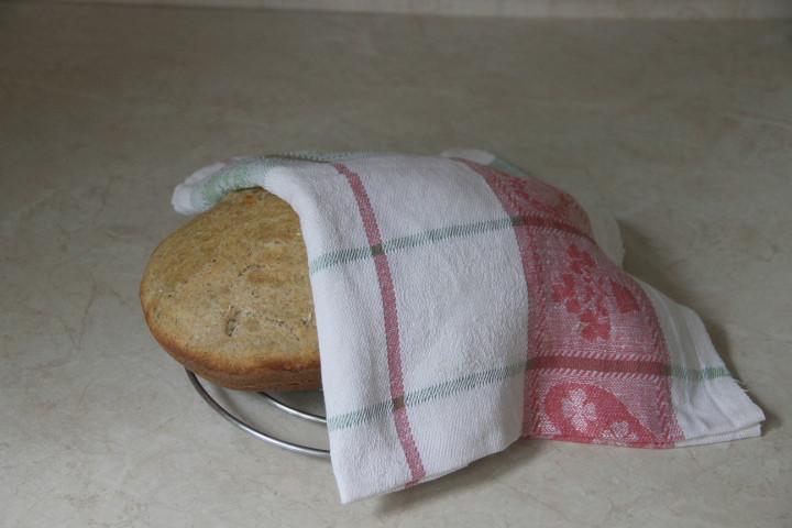 деревенский хлеб в духовке